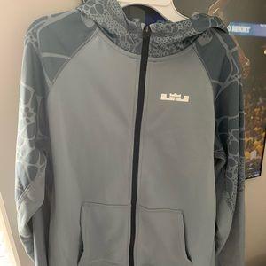 Nike le bron hoodie